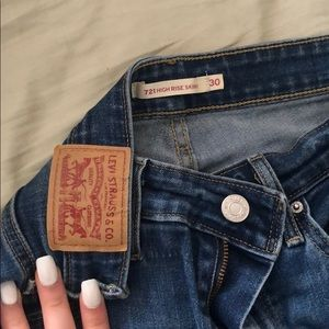 Levis high rise skinny 721
